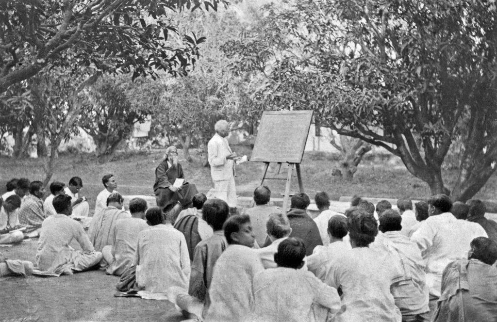 Rabindranath-Tagore-classroom-West-Bengal-Shantiniketan_britannica