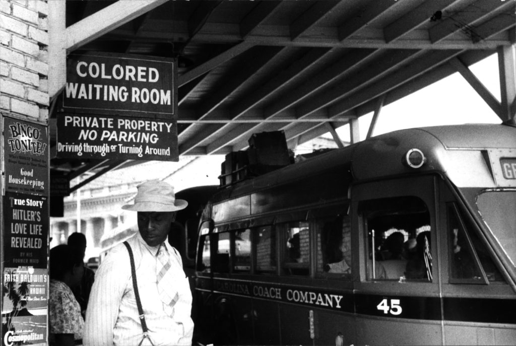 """""""At the bus station."""" Mai 1940"""